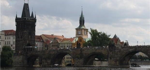 """Nejlevnější """"dubnové"""" letenky z Prahy"""